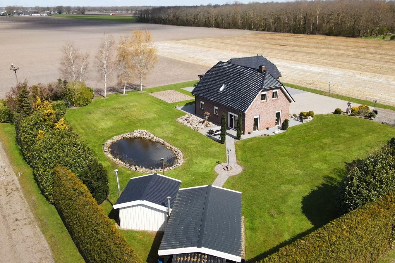 Bekijk foto 2 van Verlengde Wilhelmsweg 138