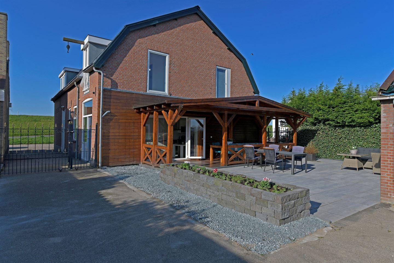 Bekijk foto 2 van Maasdijk 113