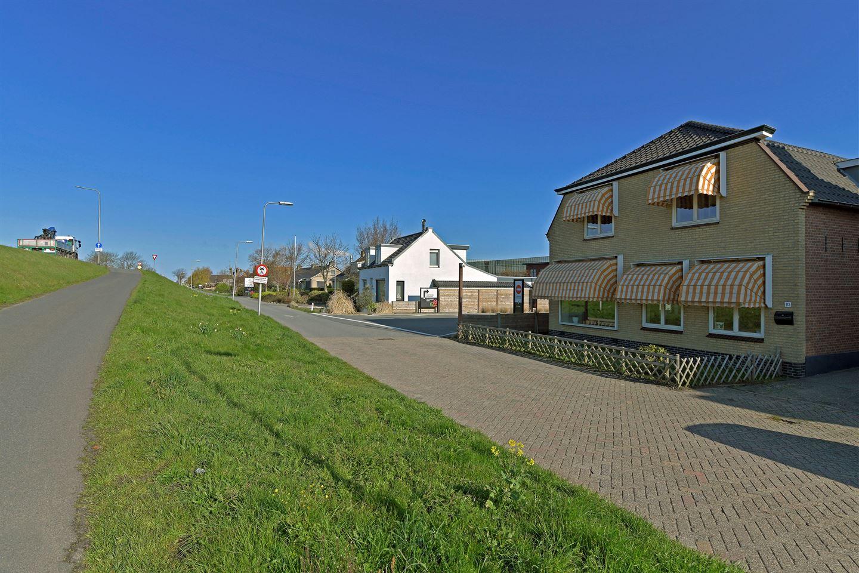 Bekijk foto 3 van Maasdijk 113