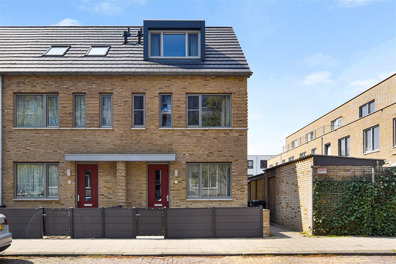 Bekijk foto 1 van Van der Zaanstraat 1