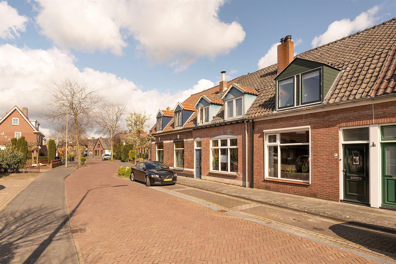 Bekijk foto 2 van Frisialaan 68