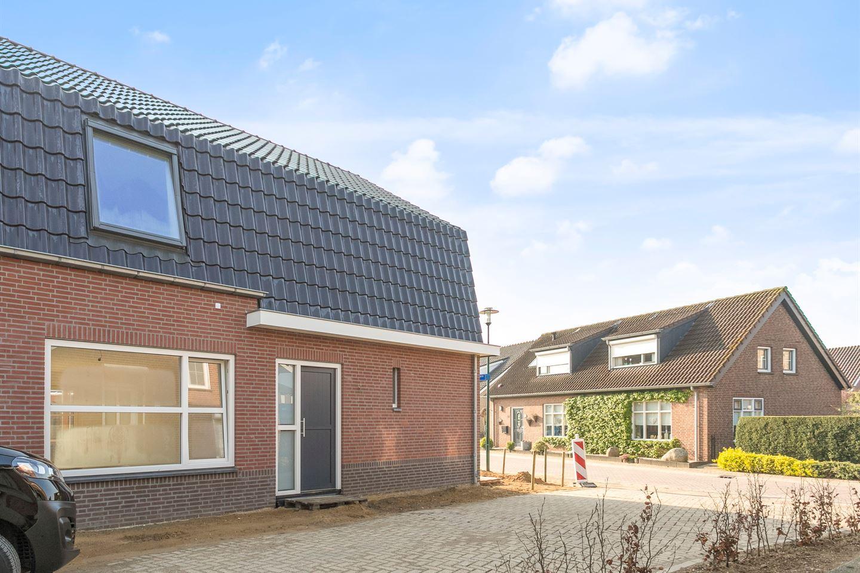 Bekijk foto 3 van Beenhouwersplein 9
