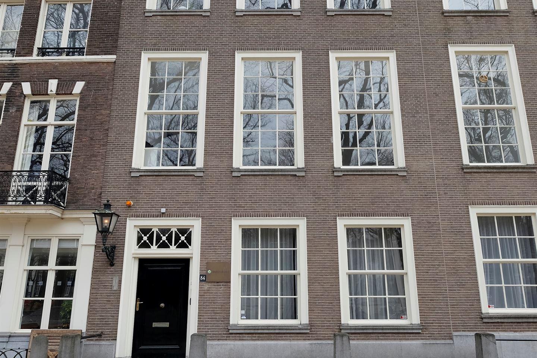Bekijk foto 2 van Lange Voorhout 84