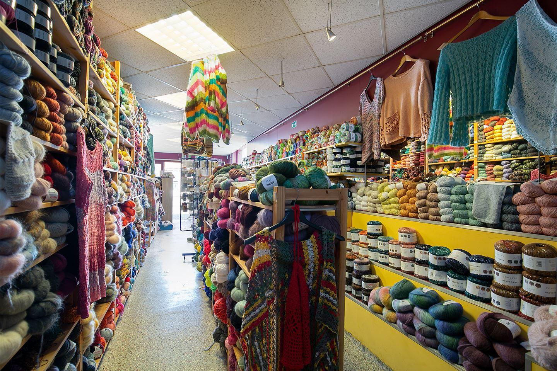 View photo 4 of Markt 90