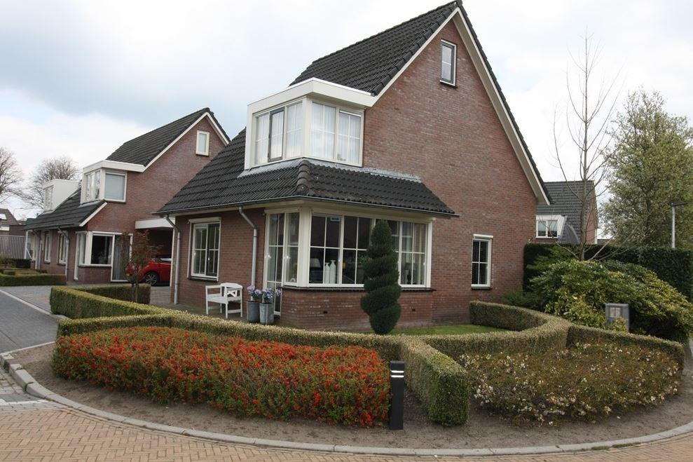 Bekijk foto 1 van Van Stolberglaan 2