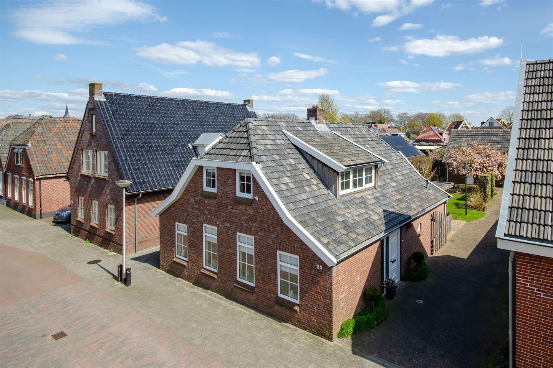 Bekijk foto 1 van Van den Broekestraat 25