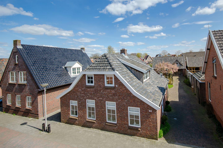 Bekijk foto 2 van Van den Broekestraat 25