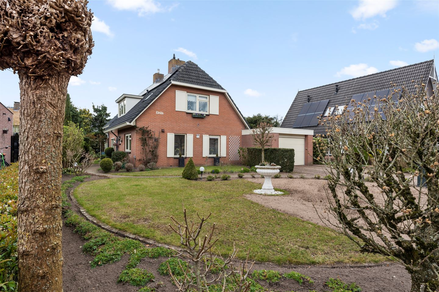 View photo 1 of Emmenhoeve 5