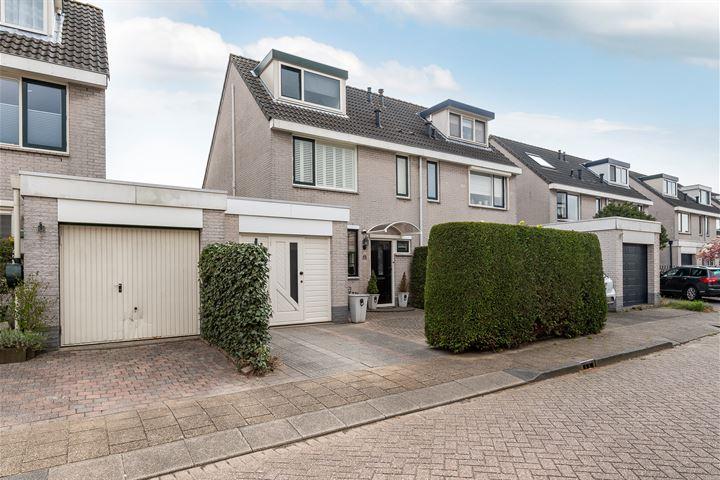 Maarten Trompstraat 25