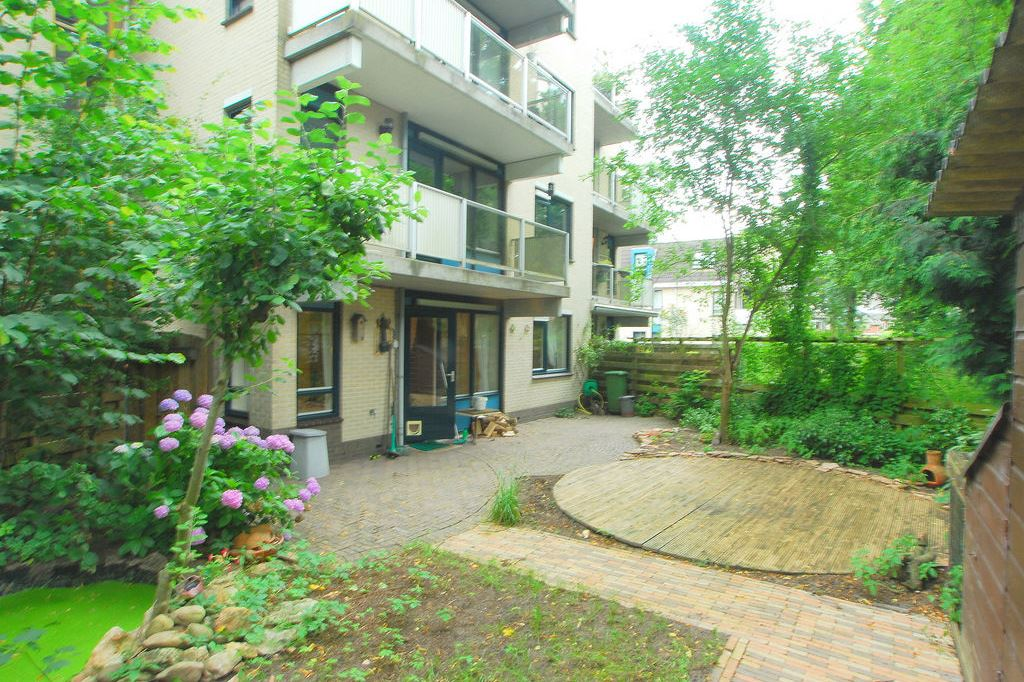 Bekijk foto 1 van Utrechtseweg 13 3