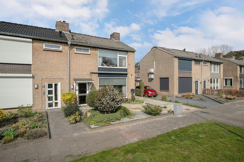 Bekijk foto 3 van Pater Bleijsstraat 15