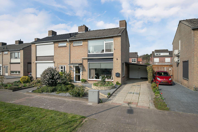 Bekijk foto 4 van Pater Bleijsstraat 15