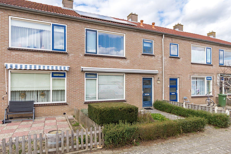 Bekijk foto 2 van van der Duyn van Maasdamstraat 28