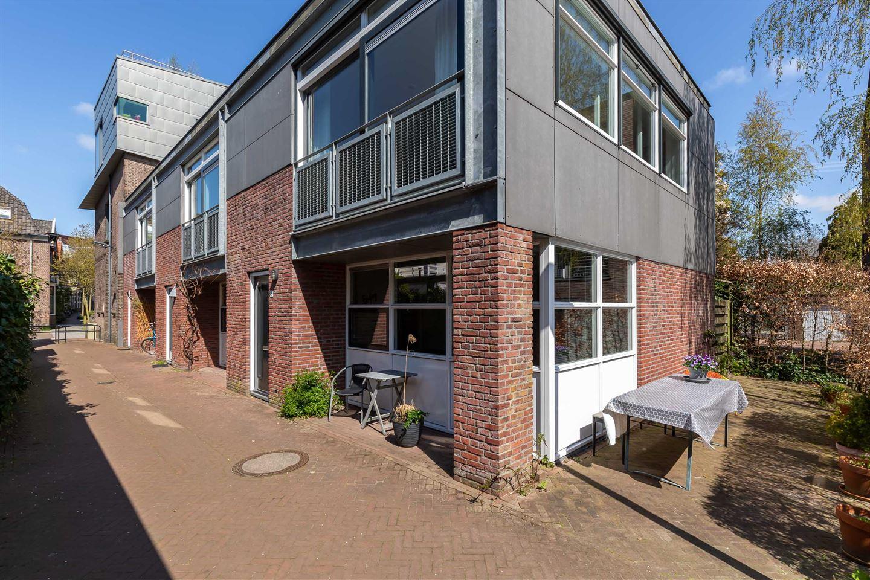 Bekijk foto 2 van Spoorstraat 18 c