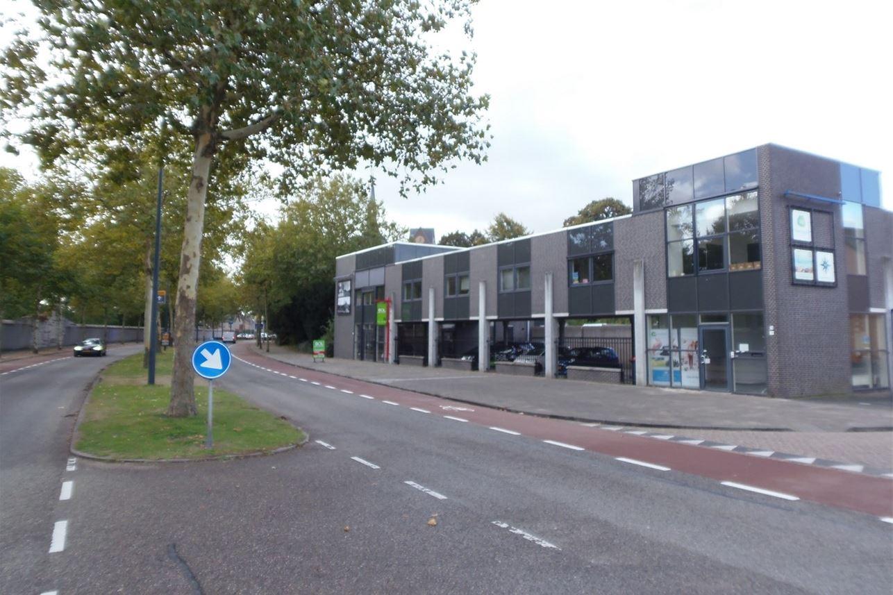 Bekijk foto 3 van Abdis van Thornstraat 74