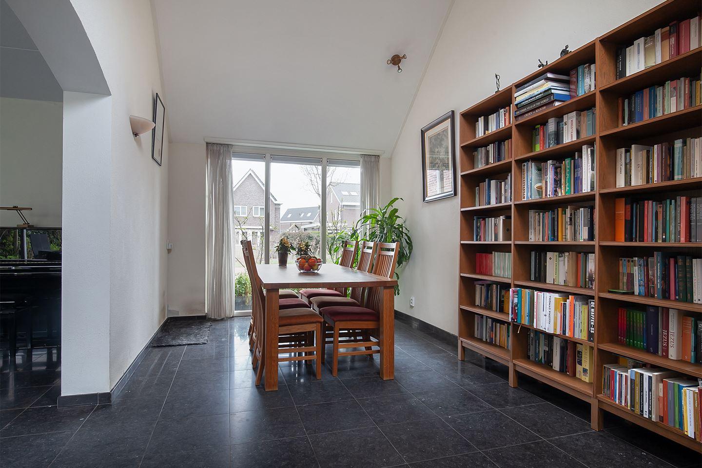 Bekijk foto 3 van Theo van Doesburgstraat 9