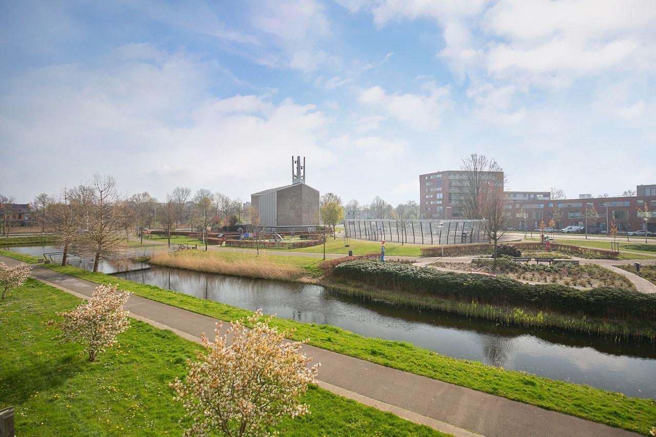 Bekijk foto 3 van Willem Barentszstraat 21