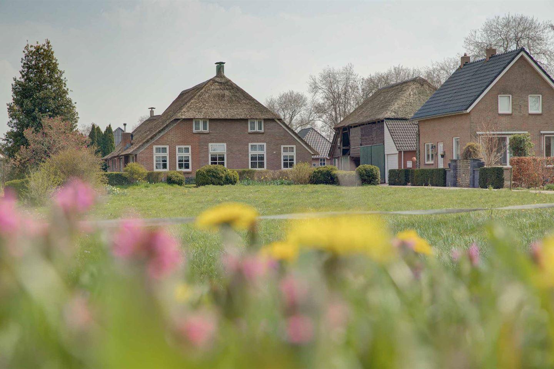 Bekijk foto 1 van Oude Rijksweg 723