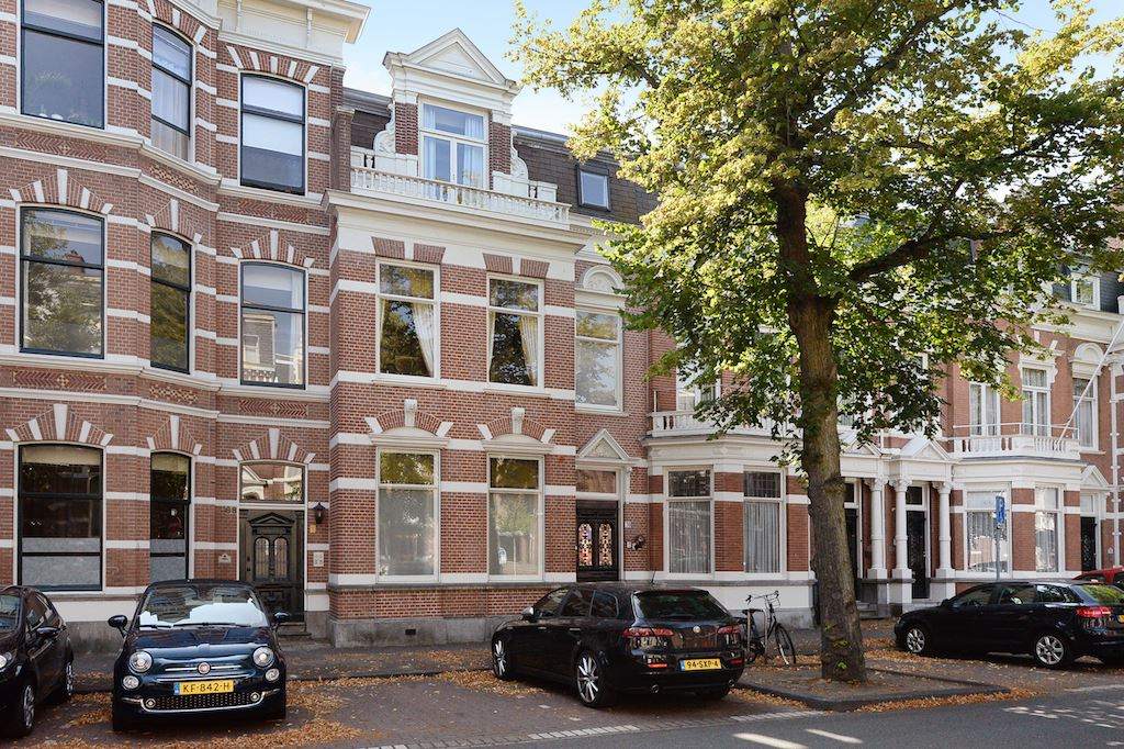 Bekijk foto 1 van Jan van Nassaustraat 70 .