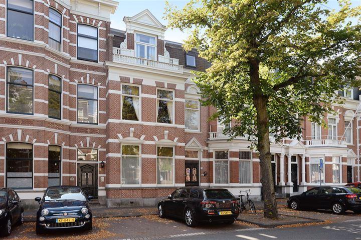 Jan van Nassaustraat 70 .