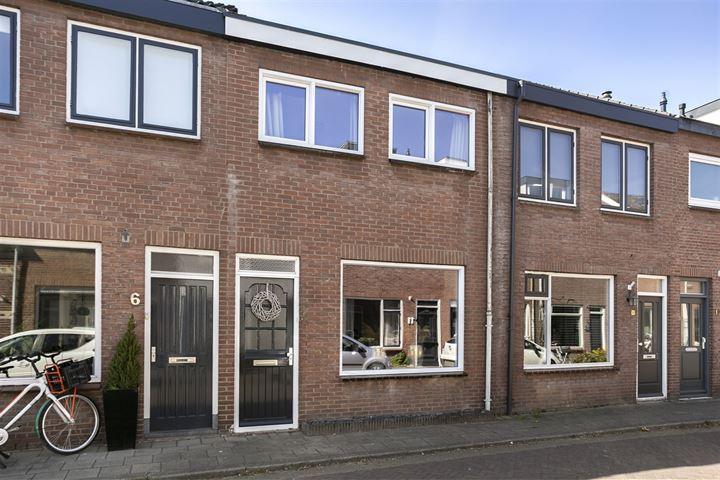 Wullenhovenstraat 8