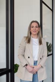 Daisy Wiebe - Commercieel medewerker