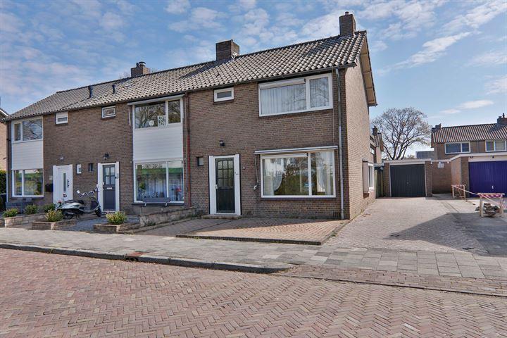 Ruysdaelstraat 55