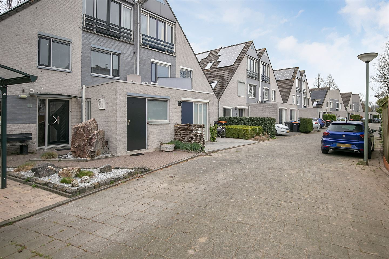 Bekijk foto 2 van Van Doesburg-erf 59