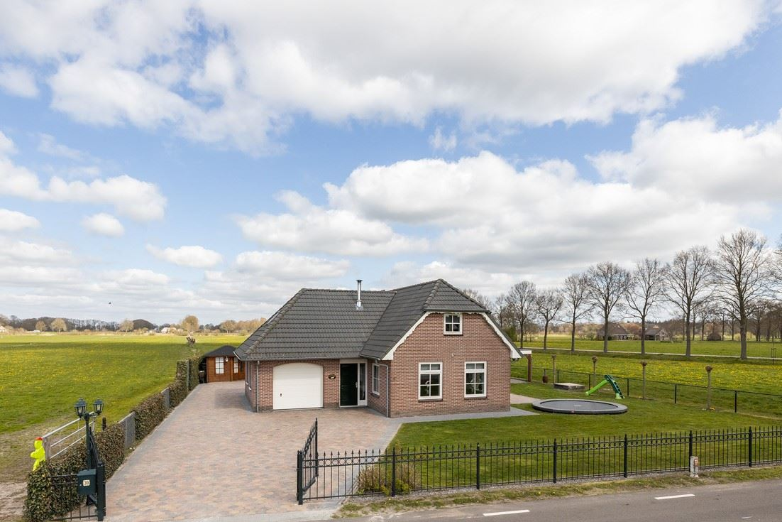 Bekijk foto 2 van Vollenhofsweg 30