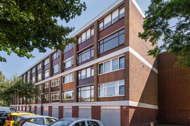 Bekijk foto 1 van Einthovenstraat 60