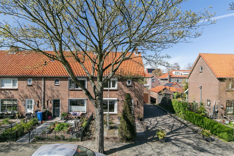 Bekijk foto 1 van Van Lennepstraat 55