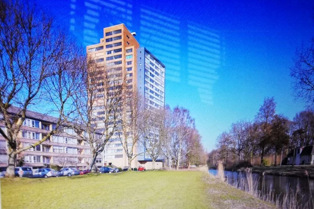 Bekijk foto 1 van Klaroenstraat 243