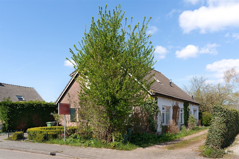 Bekijk foto 1 van Bredeweg 17