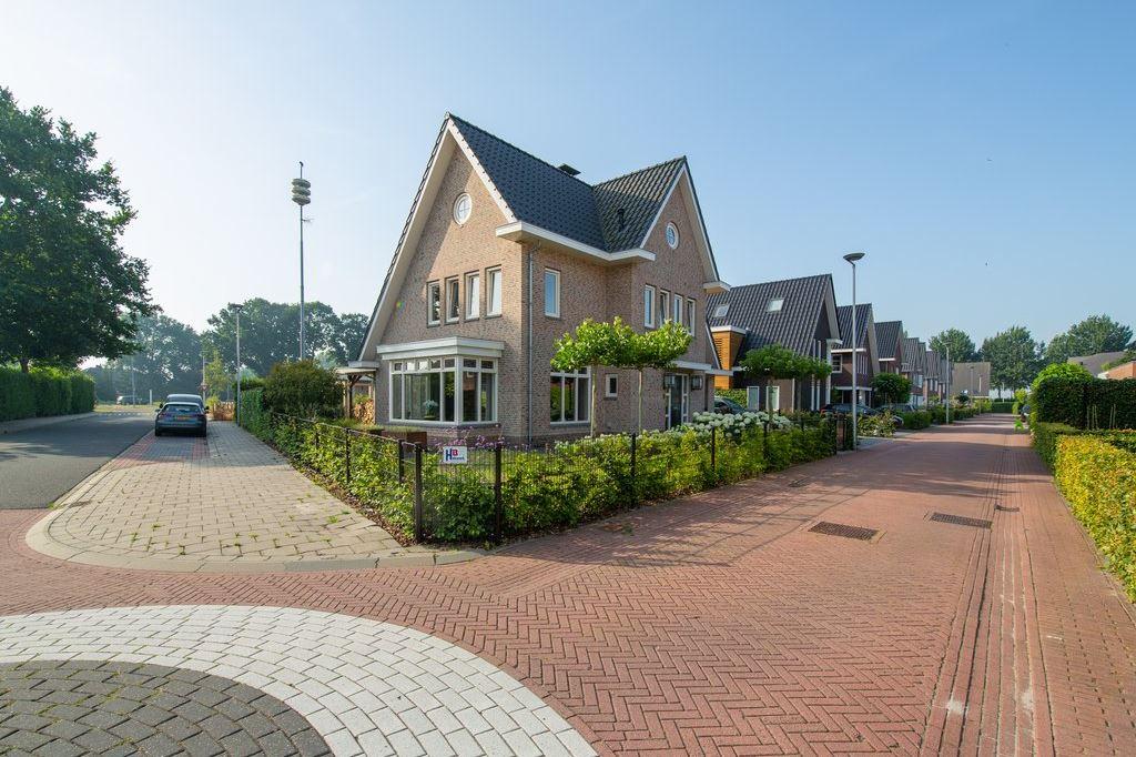 Bekijk foto 5 van Roosje Vechtstraat 1