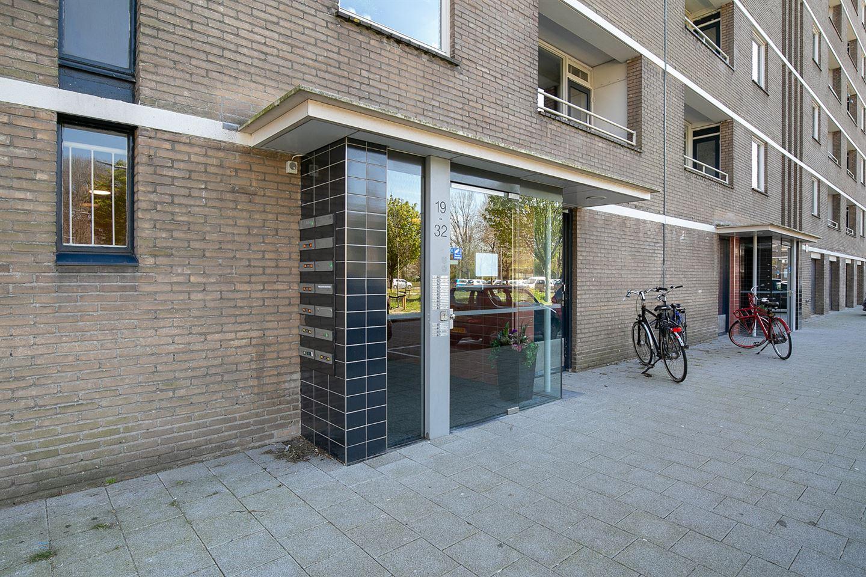View photo 2 of Edmond Hellenraadstraat 24