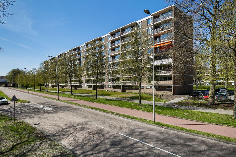 View photo 1 of Edmond Hellenraadstraat 24