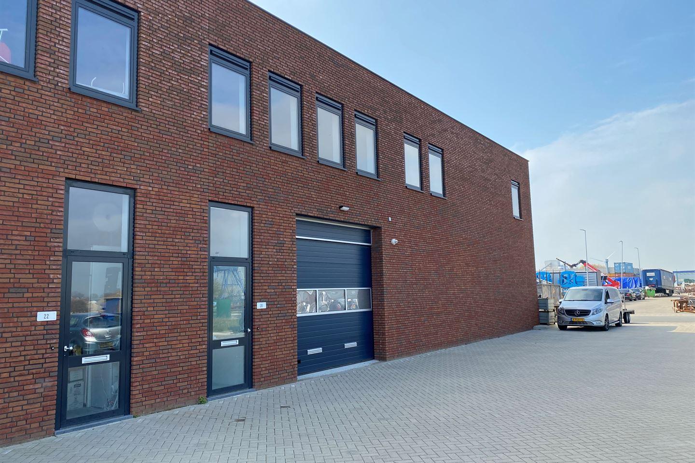 Bekijk foto 2 van J.G. van der Stoopweg 20