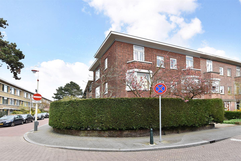 Bekijk foto 2 van Van der Aastraat 49