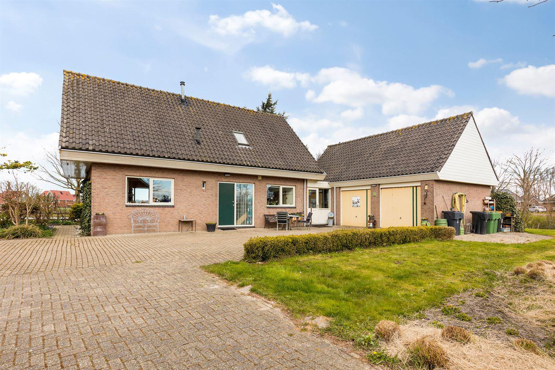 Bekijk foto 2 van Klaas Pluisterhof 15