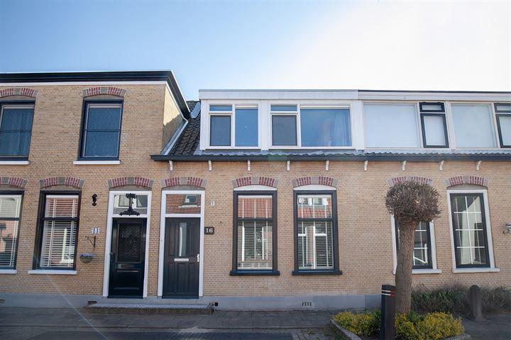 Oranjestraat 16