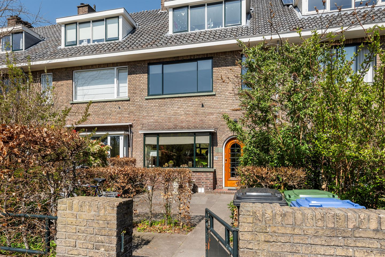 Bekijk foto 1 van van Deventerlaan 39