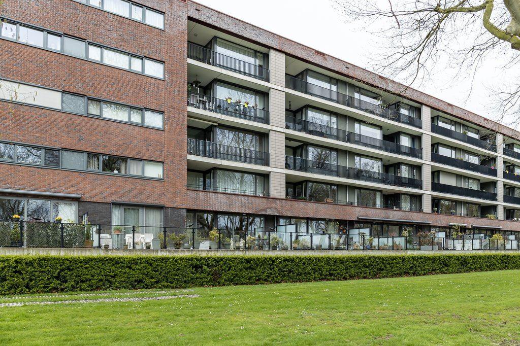 Bekijk foto 1 van Van Heukelomstraat 296