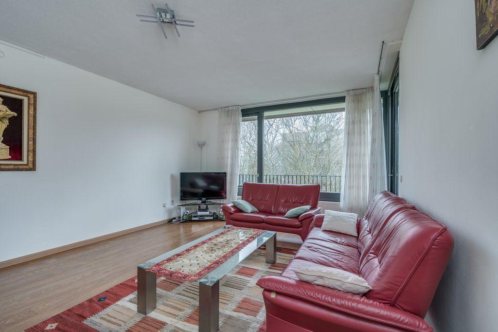 Bekijk foto 2 van Van Heukelomstraat 296