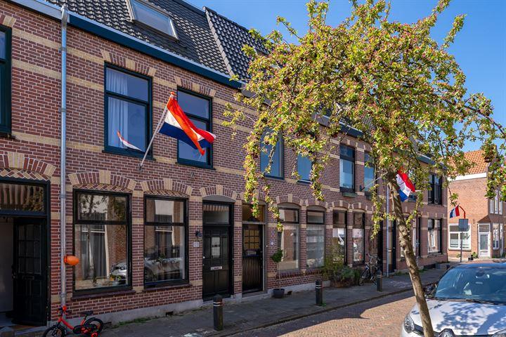 Van der Woudestraat 37
