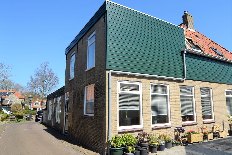Bekijk foto 1 van Zeevaartschoolstraat 20