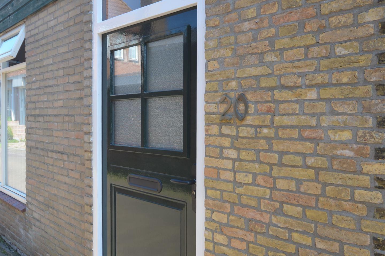 Bekijk foto 3 van Zeevaartschoolstraat 20