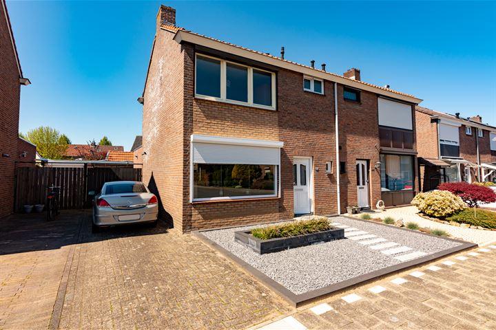 Const Huygensstraat 11