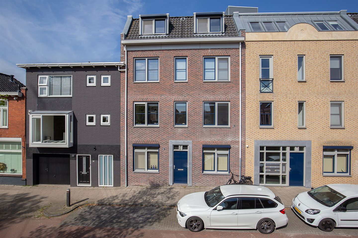 View photo 1 of Hooftstraat 317 a