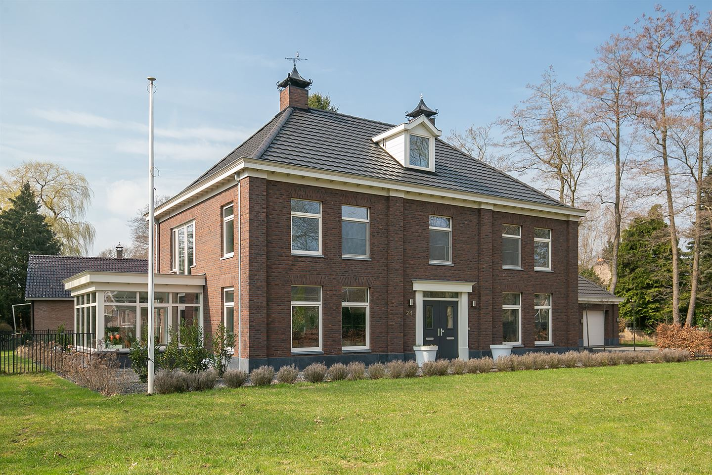 View photo 1 of Klooster 24