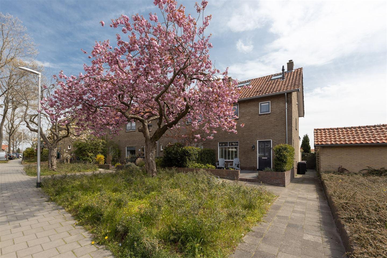 Bekijk foto 1 van P.M.R. Versteeghstraat 10